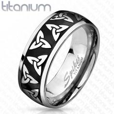 Titánový prsteň striebornej a čiernej farby, lesklé okraje, keltské symboly, 8 mm