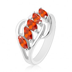 Prsteň striebornej farby, lesklé oblúčiky, pás oranžových brúsených zrniek