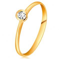 Prsteň zo žltého 14K zlata - ligotavý číry briliant v lesklej objímke, zúžené ramená