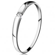 Diamantový prsteň z bieleho 14K zlata - briliant čírej farby, jemne vypuklé ramená