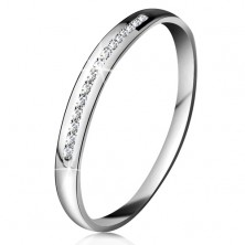 Briliantový prsteň v bielom 14K zlate - ligotavá línia drobných čírych diamantov