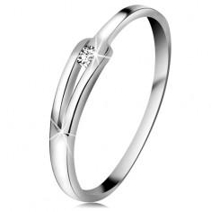 Briliantový prsteň z bieleho 14K zlata - ligotavý číry diamant, úzke rozdelené ramená