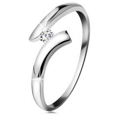 Diamantový prsteň z bieleho 14K zlata - žiarivý číry briliant, lesklé zahnuté ramená