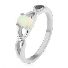 Šperky eshop - Oceľový prsteň striebornej farby, oválny syntetický opál, prekrížené ramená H4.18 - Veľkosť: 60 mm