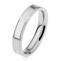 Oceľový prsteň striebornej farby, pozdĺžne okrajové zárezy, 4 mm