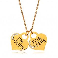 Šperky eshop - Oceľový náhrdelník zlatej farby, dva srdiečkové prívesky s nápismi a zirkónikmi Z24.20