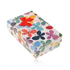 Šperky eshop - Farebná krabička na set alebo retiazku, vzor motýľov s ornamentami, mašľa Y07.08