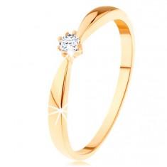Prsteň zo žltého 14K zlata - zaoblené ramená, okrúhly diamant čírej farby