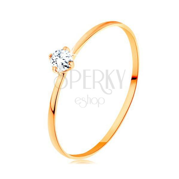 Prsteň zo žltého 14K zlata - tenké ramená, okrúhly diamant čírej farby