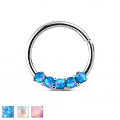 Oceľový piercing striebornej farby, lesklý krúžok so syntetickými opálmi