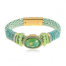 Náramok zelenej farby s hadím vzorom, veľký brúsený ovál, korálky a šnúrky