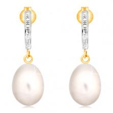 Zlaté 14K náušnice - gravírovaný oblúk z bieleho zlata, biela oválna perla