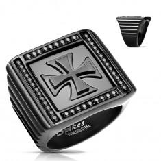 Mohutný prsteň čiernej farby, oceľ 316L, zirkóniky, maltézsky kríž