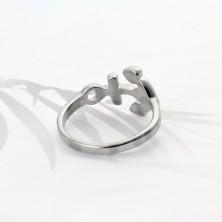 Prsteň z chirurgickej ocele striebornej farby, lesklá kotva