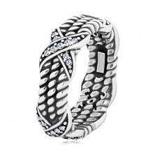 Patinovaný strieborný prsteň 925, motív točeného lana, krížiky so zirkónmi