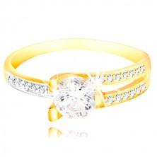 Prsteň zo 14K zlata - veľký číry zirkón, asymetrické ramená s drobnými zirkónmi