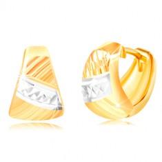 Šperky eshop - Náušnice zo zlata 585 - zaoblený trojuholník, šikmé ryhy, pás bieleho zlata GG217.22