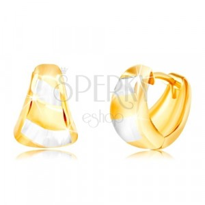 Zlaté náušnice 585 - rozšírený matný oblúk, šikmé pásy žltého a bieleho zlata