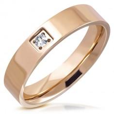 Lesklý prsteň z ocele - medený odtieň, okrúhly brúsený zirkón v štvorcovej objímke, 5 mm