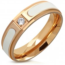 Oceľový prsteň medenej farby - vyvýšený biely pás, číry okrúhly zirkón, 6 mm