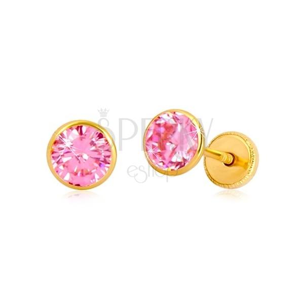 Náušnice zo žltého 14K zlata - ružový zirkón v objímke, puzetky so závitom, 5 mm