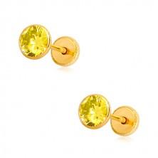 Náušnice v 14K žltom zlate - žltý zirkón v objímke, puzetky so závitom, 5 mm