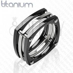 Titánový prsteň - tri štvorce spojené nitmi