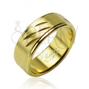 Oceľový prsteň zlatej farby, jemné výrezy