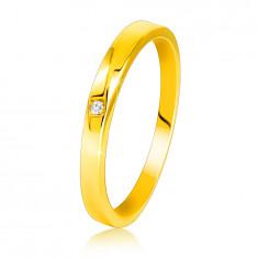 Diamantový prsteň zo žltého 585 zlata - jemne skosené ramená, číry briliant