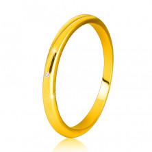 Diamantový prsteň zo žltého 14K zlata - tenké hladké ramená, číry briliant