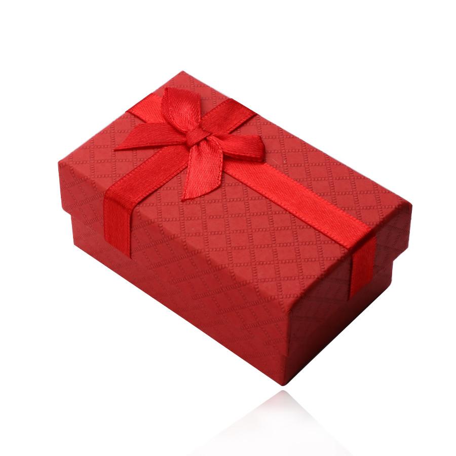 Obdĺžniková krabička na prsteň, prívesok a náušnice, červený matný povrch, mašlička