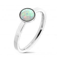 Oceľový prsteň striebornej farby, syntetický opál s dúhovými odleskami, úzke ramená