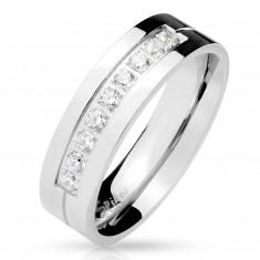 Oceľový prsteň striebornej farby, deväť čírych zirkónov v záreze, lesklý povrch, 6 mm