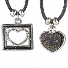 Šperky eshop - Náhrdelník dve srdcia - plné a vo štvorčeku Z7.9
