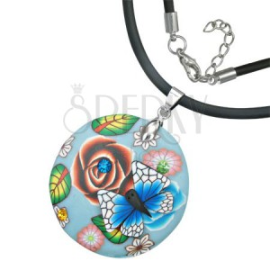Okrúhly Fimo náhrdelník - list, kvety, modrobiely motýľ
