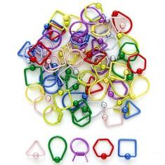 Šperky eshop - Piercing s guličkou - geometrické tvary I6.20/24 - Farba piercing: Červená, Tvar: trojuholník