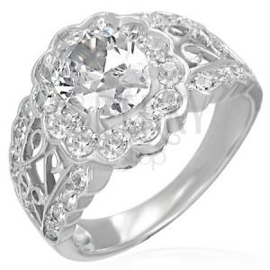 Zásnubný prsteň - filigránový, veľký oválny zirkón, malé zirkóny