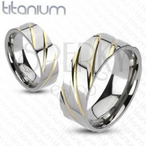 Titánový prsteň striebornej farby - prúžky v zlatej farbe