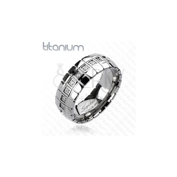 Titánový prsteň - zirkónový pás, vertikálne linky
