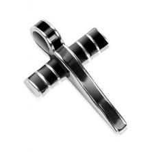 Oceľový prívesok - mohutný kríž zdobený čiernou glazúrou