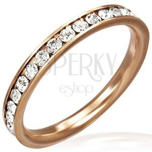 Oceľový prsteň v zlatej farbe - číre zirkóny po obvode