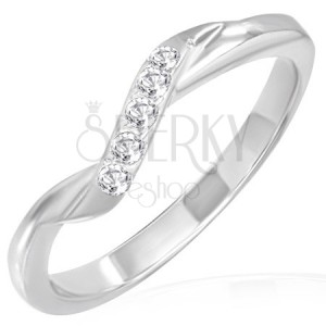 Snubný prsteň z ocele - šikmý zirkónový pás