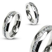 Oceľový prsteň striebornej farby, stredová línia čírych zirkónov
