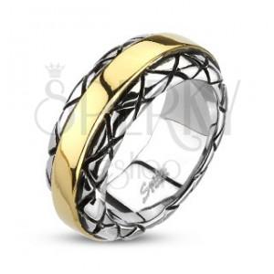Prsteň z ocele - stred zlatej farby, vzorované okraje