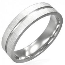 Oceľový prsteň s lesklou ryhou cez stred a matným okrajom