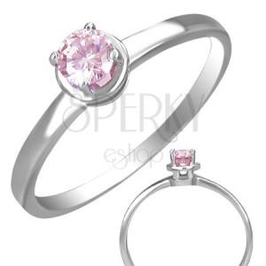 Prsteň z ocele so vsadeným ružovým očkom