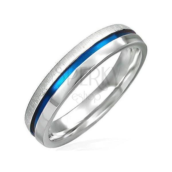 Oceľový prsteň s modrým pásom - polka lesklá, polka matná
