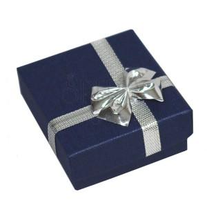 Krabička na obrúčky - tmavomodrá kocka, strieborná mašľa