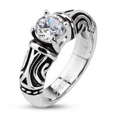 Šperky eshop - Oceľový dekoratívny patinovaný prsteň so zirkónom K15.16/K15.17 - Veľkosť: 53 mm