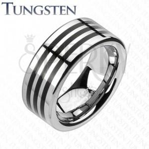 Tungstenový prsteň s troma čiernymi pásikmi po obvode